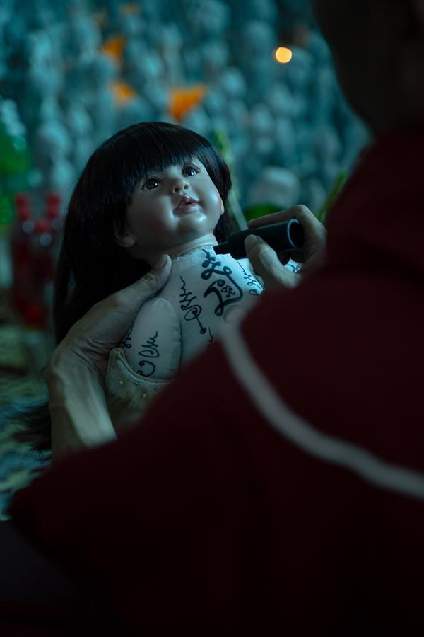 Phim về búp bê hắc ám Kumanthong tung teaser rợn tóc gáy-4