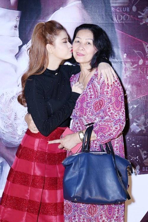 Mối quan hệ giữa Trương Quỳnh Anh và bố mẹ đẻ sau thời gian từ mặt-6