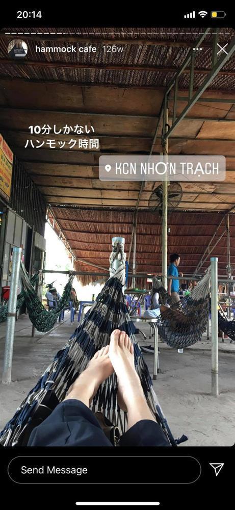 Cô nàng Nhật Bản hóa vlogger bất chấp review chiếc võng Việt Nam mọi lúc mọi nơi-2