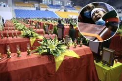 Người thân, đồng đội khóc nghẹn trong tang lễ 22 chiến sĩ bị vùi lấp ở Quảng Trị