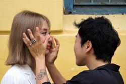 Miko Lan Trinh khóc sau phiên tòa phúc thẩm