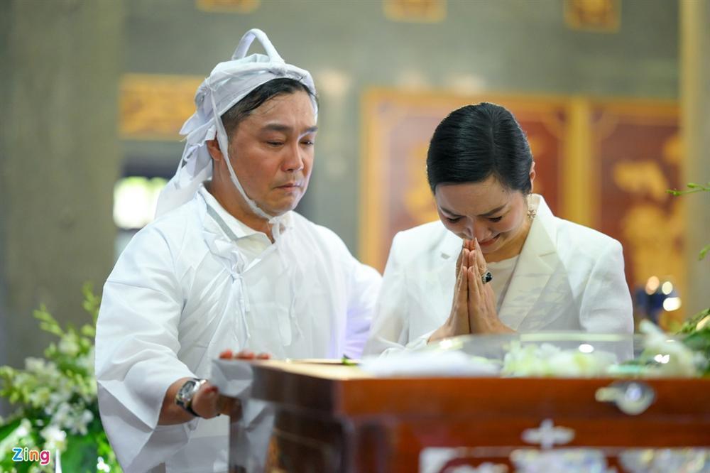 Việt Trinh, Giáng My khóc trong tang lễ NSND Lý Huỳnh-7