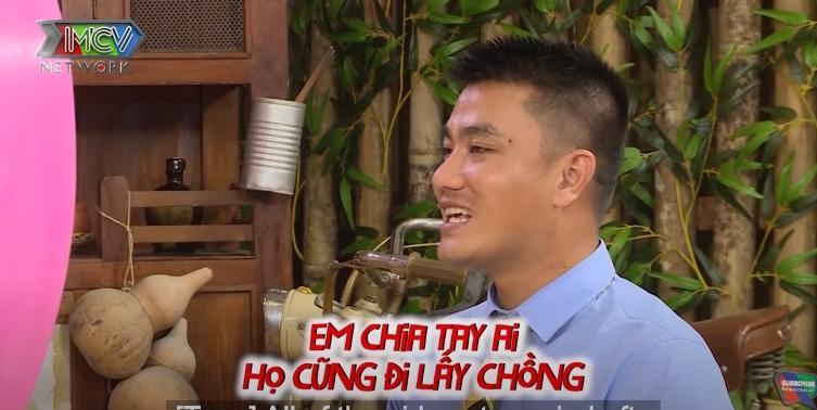 Giấu người thân lén đi hẹn hò, chàng giám đốc khiến mẹ bật khóc trên truyền hình-2
