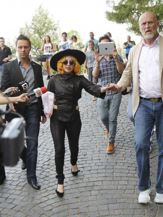 Những lần Thị Dậu Lady Gaga gây chú ý vì chiều cao quá khiêm tốn-7