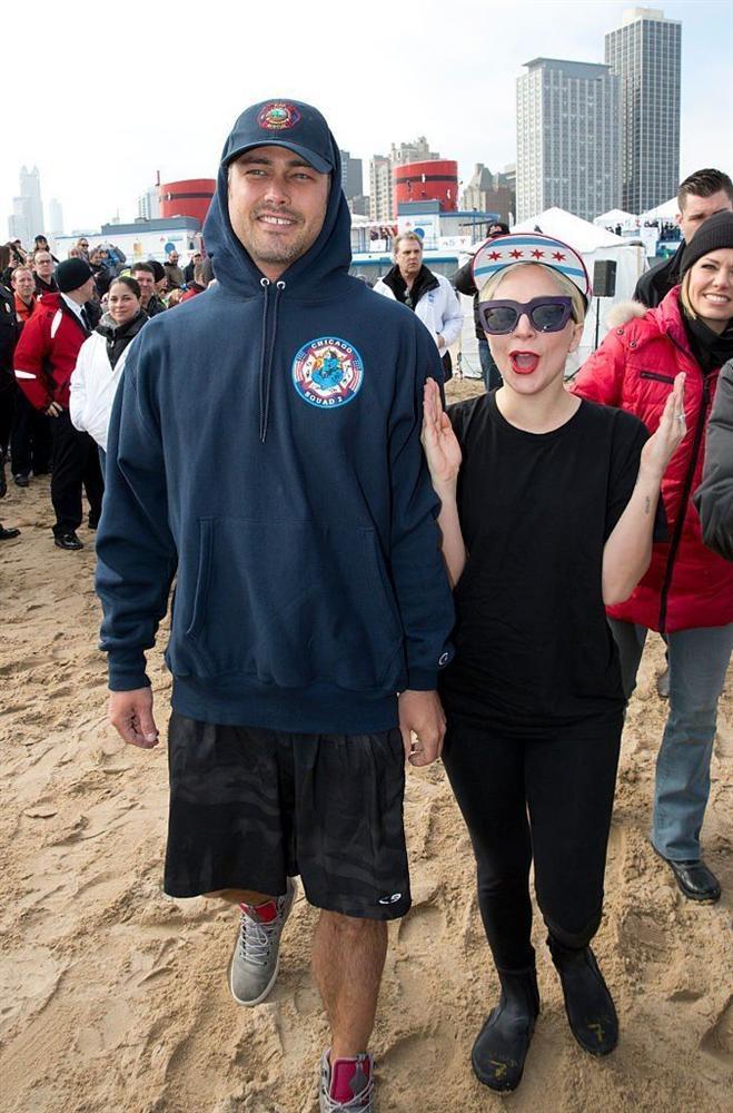 Những lần Thị Dậu Lady Gaga gây chú ý vì chiều cao quá khiêm tốn-11