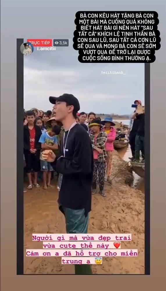 Erik vừa hỗ trợ vừa hát động viên bà con khi đi cứu trợ lũ lụt miền Trung-3