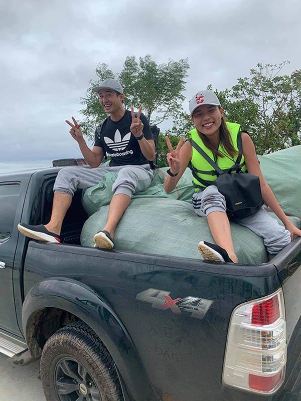 Cháy hàng mẫu balo bình dân của Thủy Tiên và loạt nghệ sĩ cứu trợ lũ lụt-5