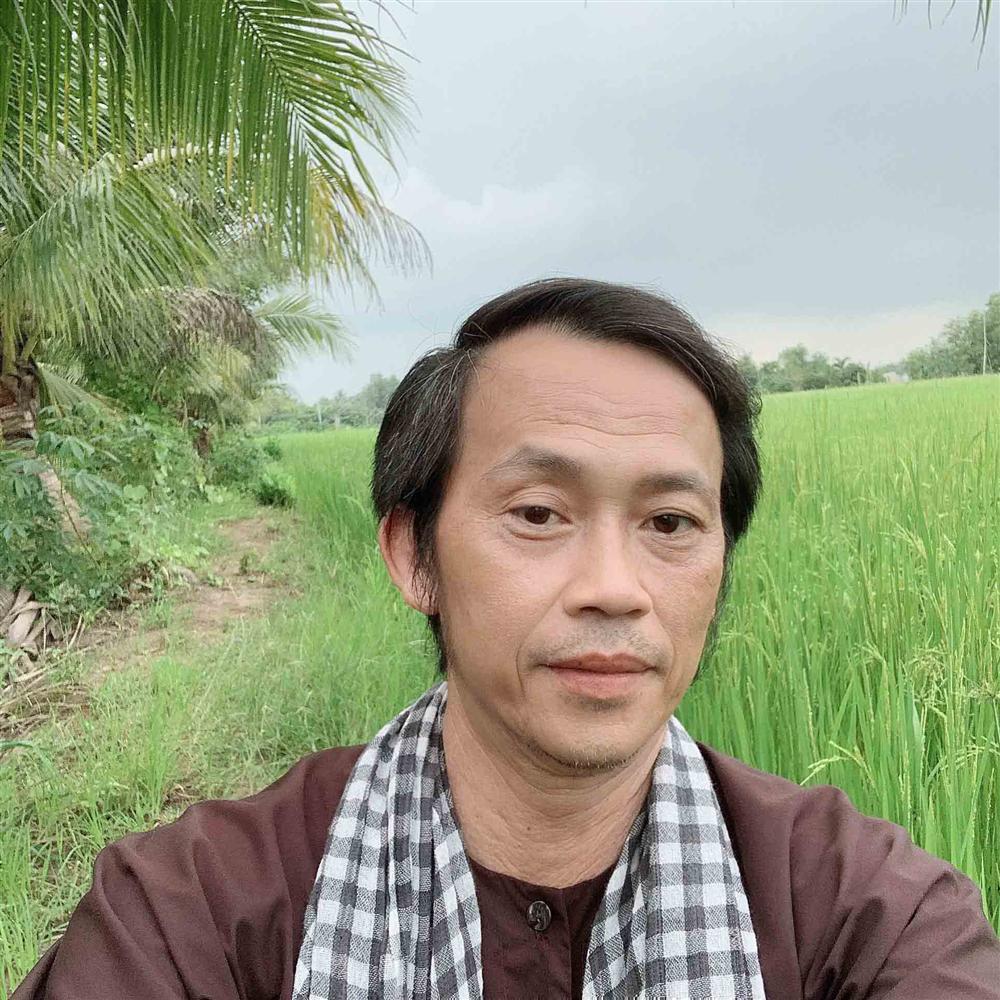 Hoài Linh nói 1 câu duy nhất khi bị nhắc nhở ăn chặn tiền từ thiện để xây nhà thờ Tổ-2