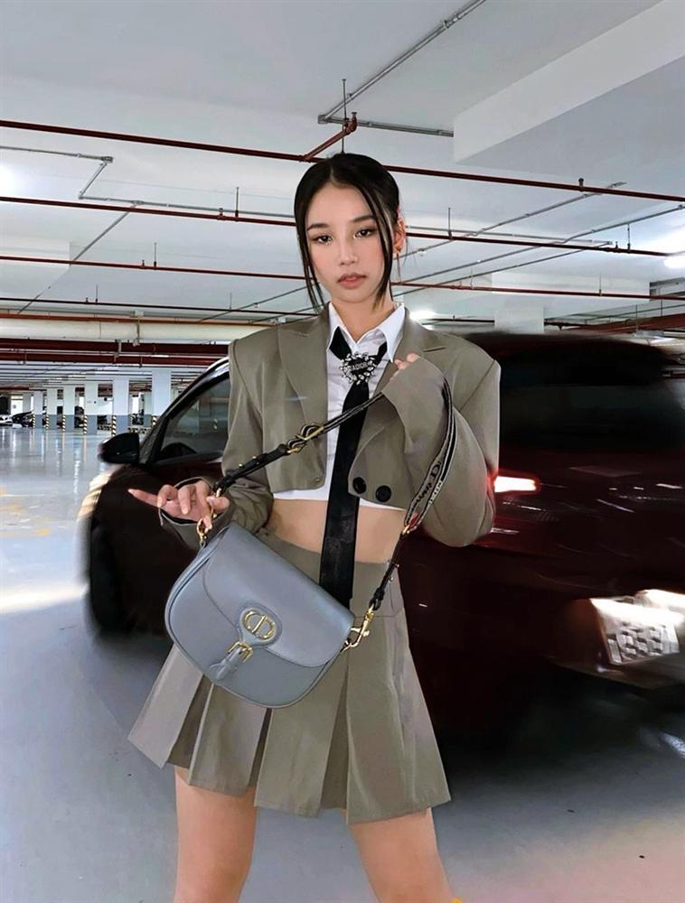 Chẳng cần hở bạo, Linh Ka - Mlee mix đồ matchy matchy ấn tượng ngày giao mùa-2