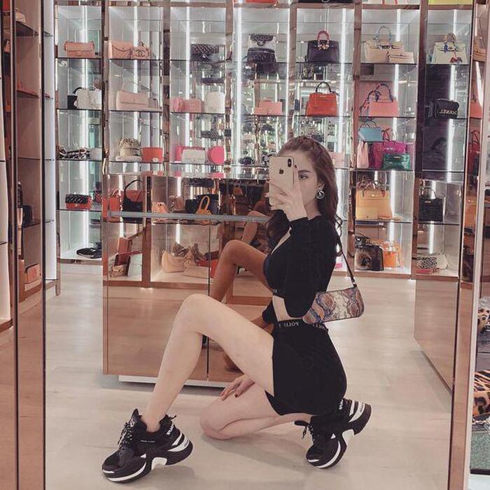 Sở thích đốt tiền của sao Việt: Trấn Thành tậu 214 lọ nước hoa, Ngọc Trinh vài trăm đôi giày-4