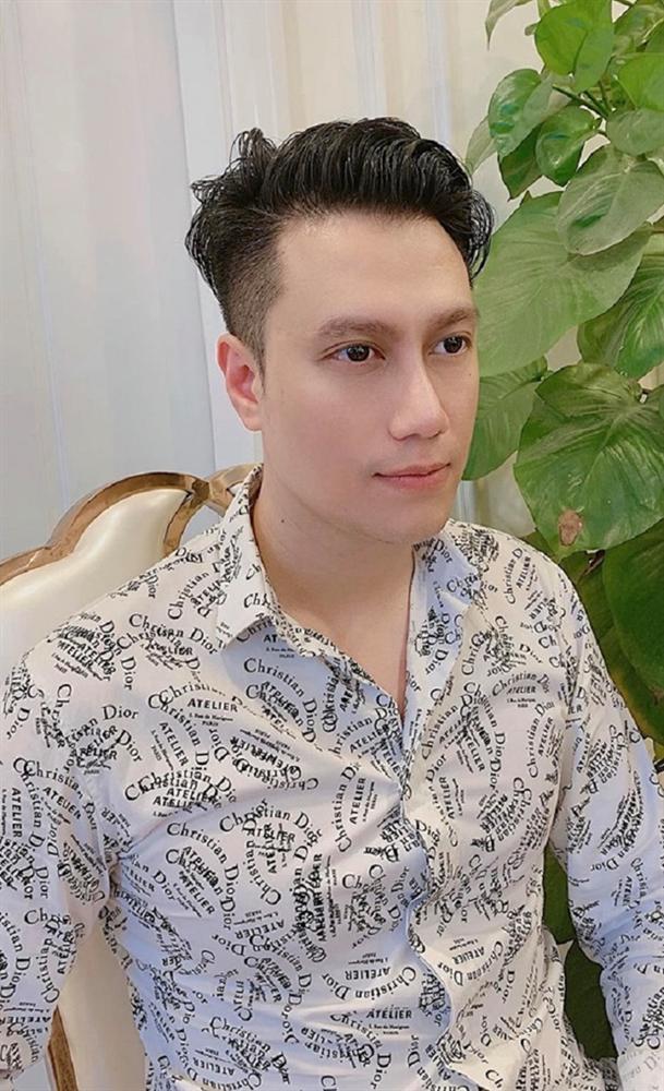Chung khung hình với Bằng Kiều ở sự kiện, Việt Anh khiến netizen hốt hoảng vì mũi lệch bất thường hậu dao kéo-3