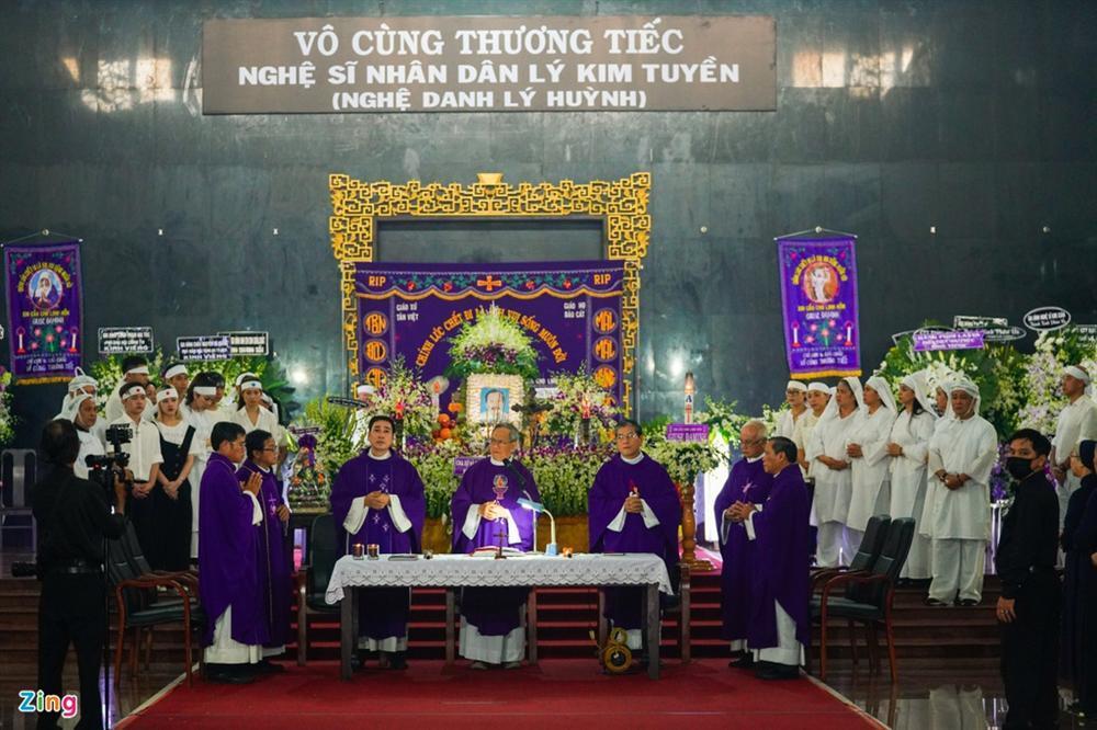 Lý Sơn, Lý Hùng khóc khi tiễn biệt NSND Lý Huỳnh-1