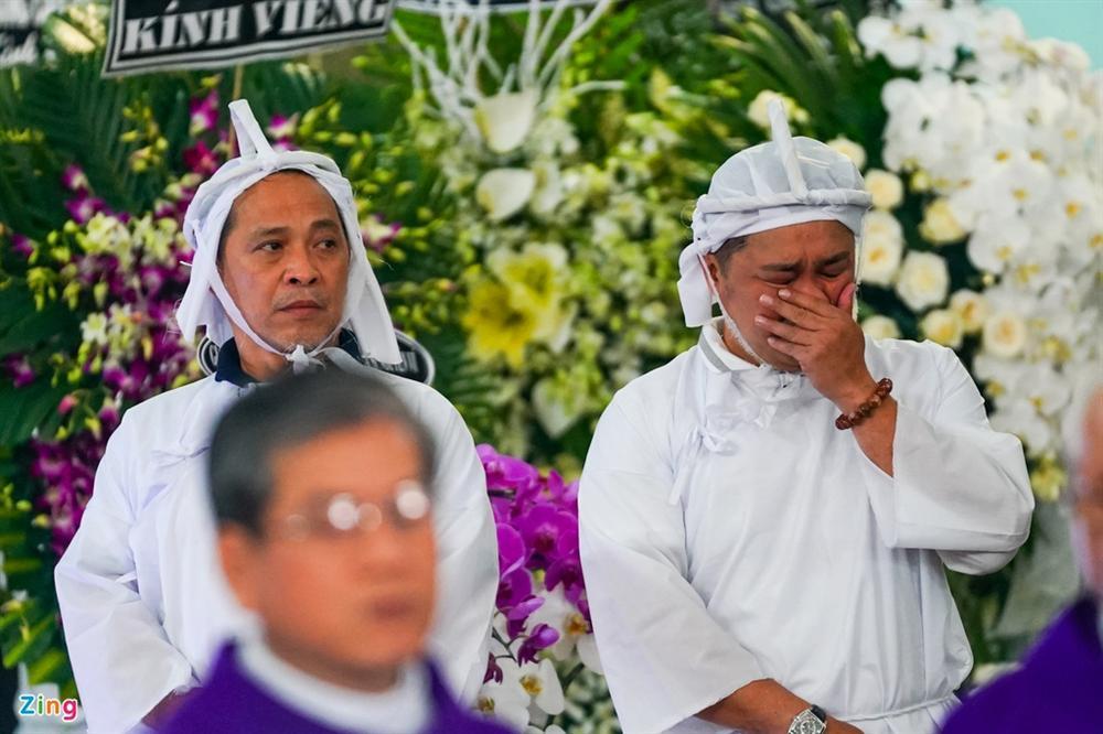 Lý Sơn, Lý Hùng khóc khi tiễn biệt NSND Lý Huỳnh-3
