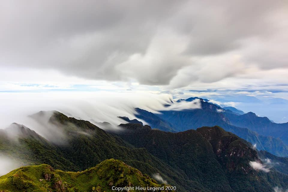Khung cảnh biển mây tựa chốn thiên đường ở Sa Pa-7