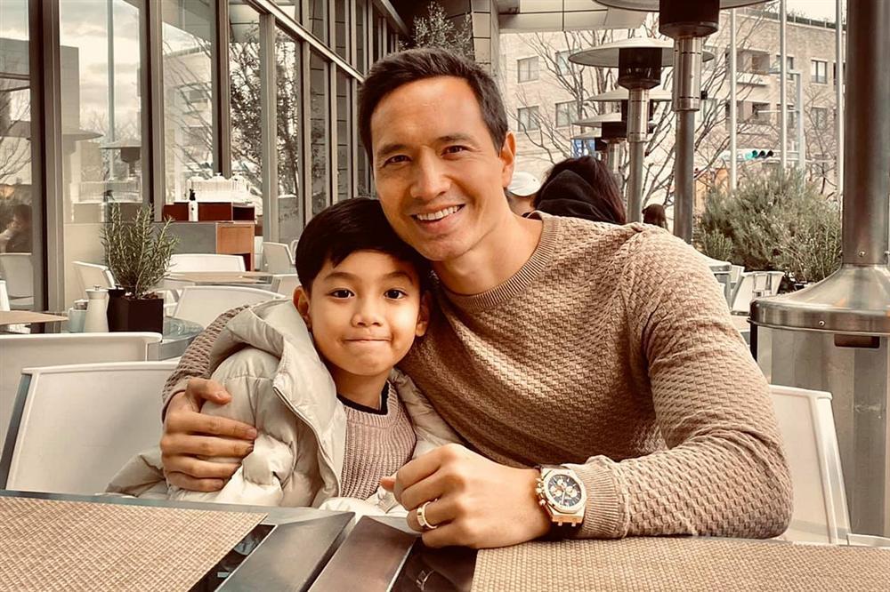 Khoảnh khắc tình cảm như cha con của Kim Lý - Subeo-4