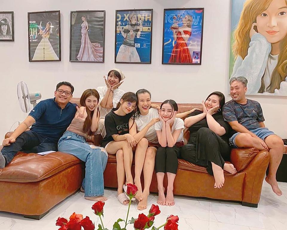 MC Hoàng Oanh khiến dân tình trầm trồ trước body 3 tháng sau sinh-5