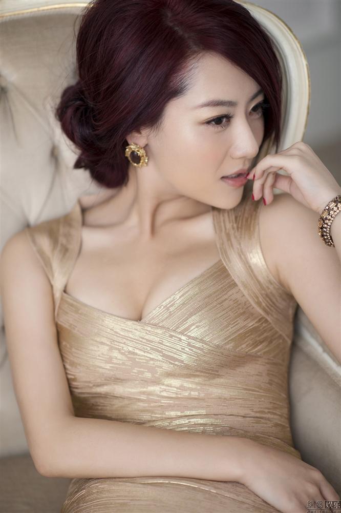 Kim Hee Sun Trung Quốc: Mang tiếng bồ nhí Thành Long, ly hôn vì chồng đồng tính-1