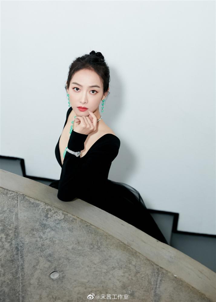 Nữ thần Kim Ưng Tống Thiến lột xác sau khi bị chê xấu thảm họa-7