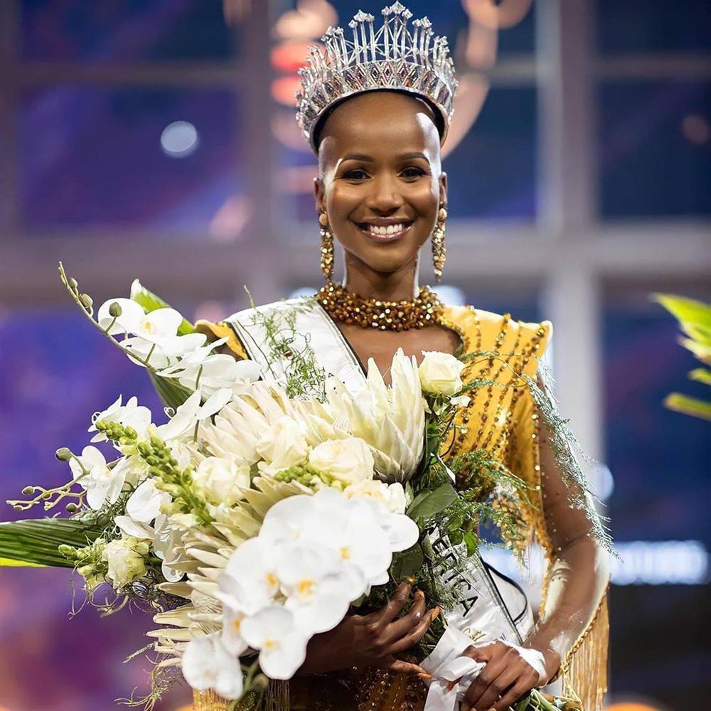Hoa hậu Nam Phi 2020 vừa lộ diện đã bị soi mặc váy giống HHen Niê-1