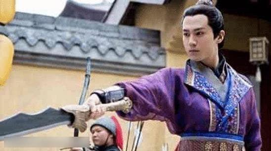 Anh làm việc với Lâm Tâm Như 7 năm mà vẫn mờ nhạt, được Triệu Lệ Dĩnh một tay kéo lên lại phất như diều gặp gió-3