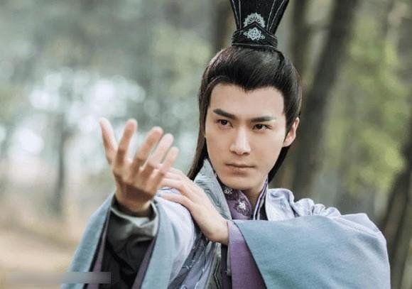 Anh làm việc với Lâm Tâm Như 7 năm mà vẫn mờ nhạt, được Triệu Lệ Dĩnh một tay kéo lên lại phất như diều gặp gió-4