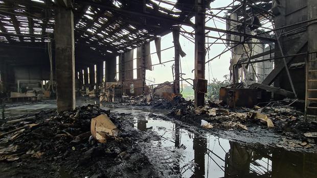 Bắc Ninh: Nổ lò hơi gây cháy xưởng sản xuất giấy khiến 2 người thương vong-1