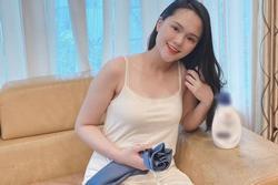 Quỳnh Anh đăng ảnh diện váy 2 dây gợi cảm, Duy Mạnh liền 'nói mát': 'Như gái chưa chồng'