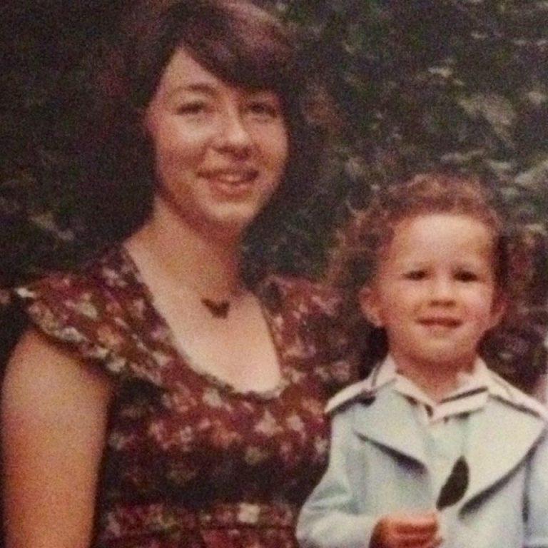 Con trai ung thư, mẹ mang tinh trùng đông lạnh, 22 năm sau kết quả bất ngờ-1
