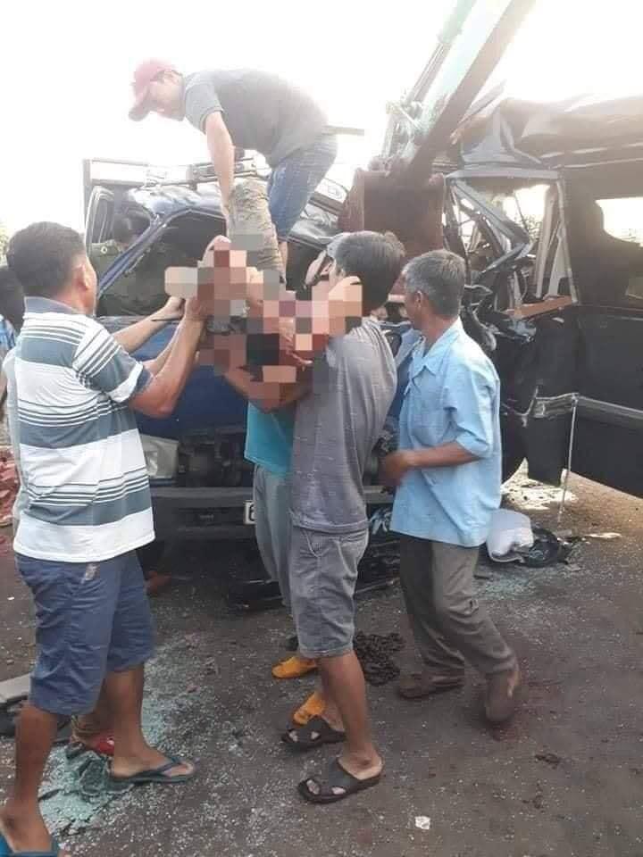 Kinh hoàng: Xe khách đấu đầu xe tải, 1 tài xế tử vong ở Đồng Nai-3
