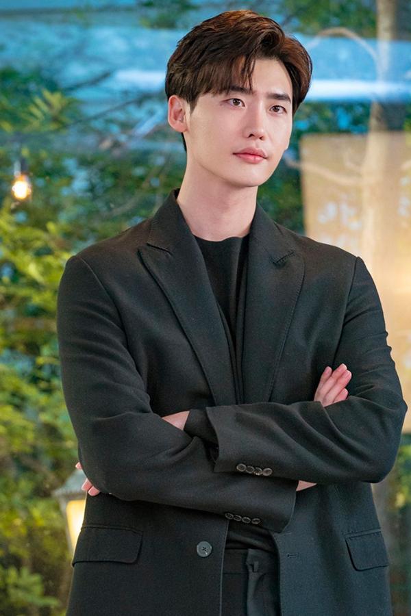 Mới nghe đồn Song Hye Kyo sánh đôi với Lee Jong Suk, netizen đã ném đá nhà gái-6