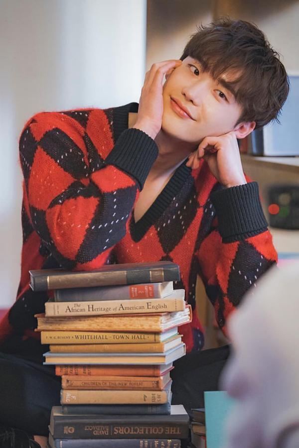 Mới nghe đồn Song Hye Kyo sánh đôi với Lee Jong Suk, netizen đã ném đá nhà gái-8