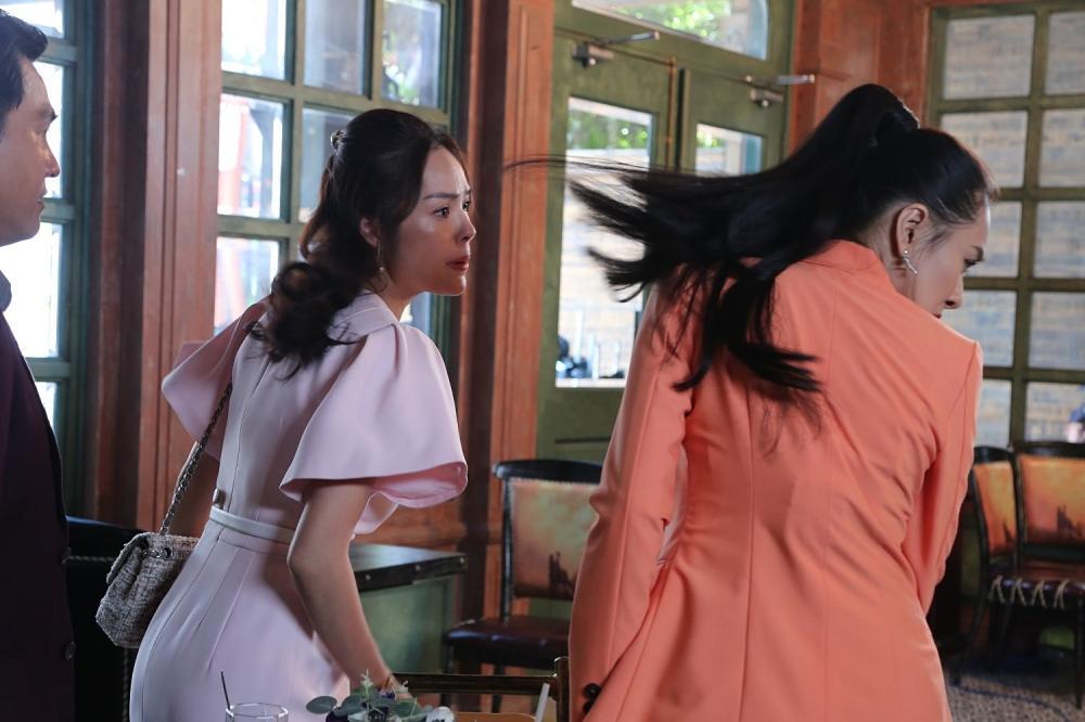 Tiểu tam Hồ Bích Trâm ăn cú tát nhớ đời khi giật chồng Dương Cẩm Lynh-5