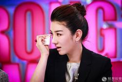 Huỳnh Dịch từng bị rớt vai trong 'Tân Dòng Sông Ly Biệt' vì... khóc xấu