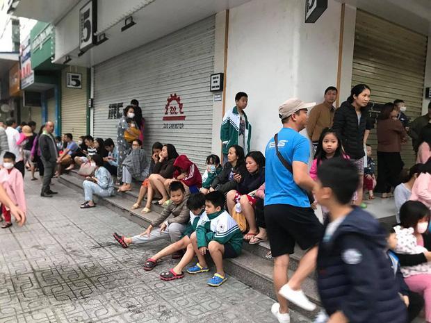 Sáng sớm, cháy lớn tại chung cư HH Linh Đàm, hàng nghìn người sợ hãi tháo chạy tán loạn-4