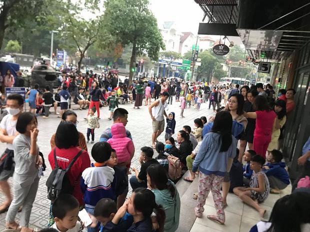 Sáng sớm, cháy lớn tại chung cư HH Linh Đàm, hàng nghìn người sợ hãi tháo chạy tán loạn-7