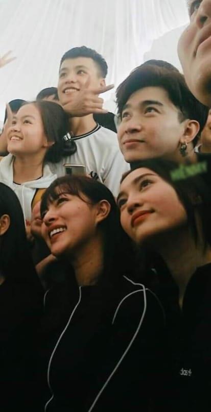 Ninh Dương Lan Ngọc - Chi Dân diện đồ đôi đi từ thiện miền Trung-2