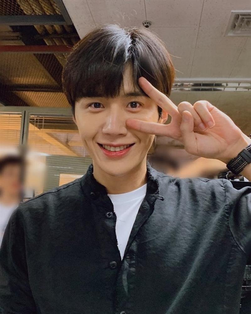 Kim Seon Ho - chân dung nam phụ đẹp hơn hoa của Start Up-8