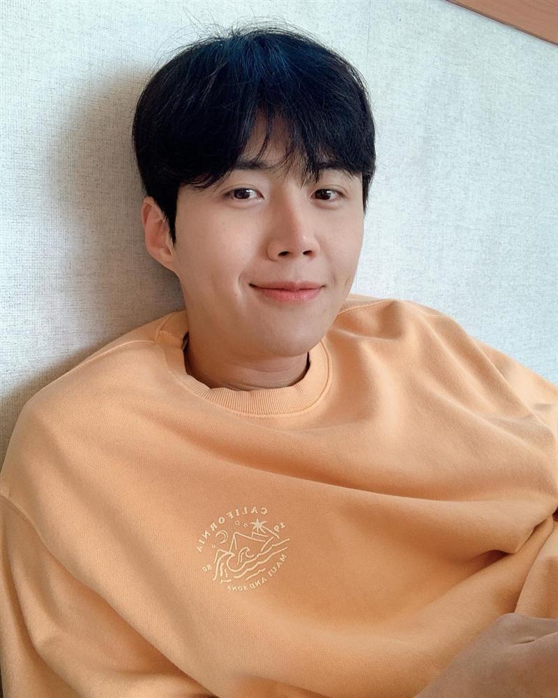 Kim Seon Ho - chân dung nam phụ đẹp hơn hoa của Start Up-10