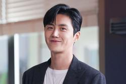 Kim Seon Ho - chân dung nam phụ đẹp hơn hoa của 'Start Up'
