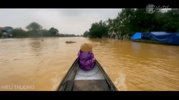 Hàng loạt địa điểm du lịch nổi tiếng miền Trung bị bủa vây trong nước lũ-3