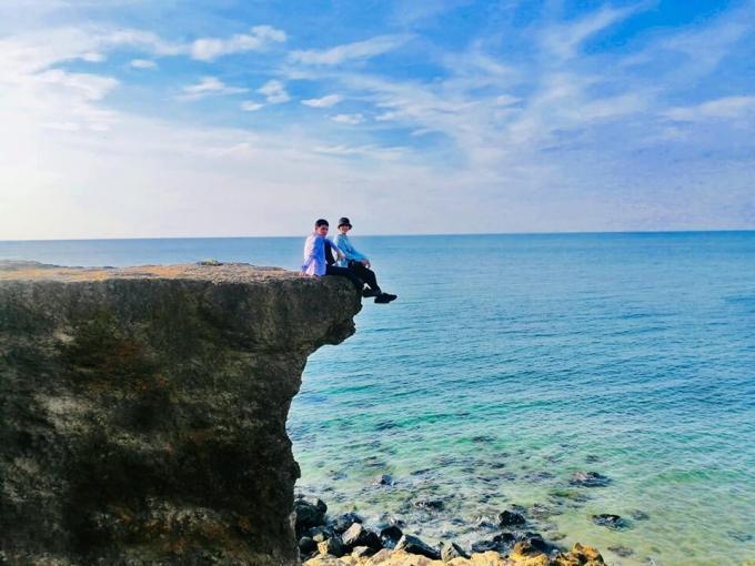 Hàng loạt địa điểm du lịch nổi tiếng miền Trung bị bủa vây trong nước lũ-8