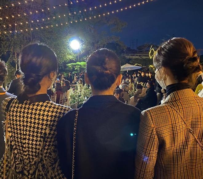 Yuri đăng ảnh chụp ở lễ cưới bí mật của Chang Min (DBSK)?-1