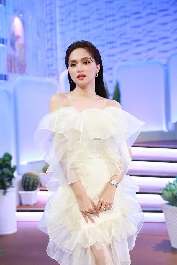 Đang hẹn hò bạn trai, Hương Giang sượng toàn tập khi bố gọi Hiếu ơi-1