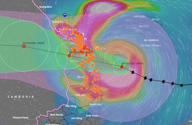 6h sáng, bão số 9 áp sát đất liền: Quảng Ngãi, Quảng Nam mưa rất lớn, gió rít liên tục-5