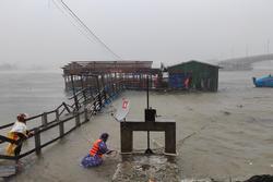 KHẨN CẤP: Đường dây nóng cứu hộ cứu nạn người dân vùng tâm bão Quảng Ngãi