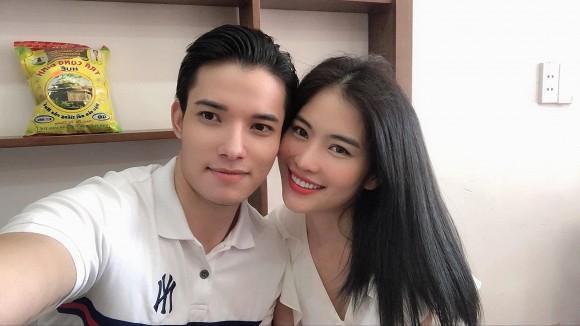 Chị gái Nam Em và bạn trai model bị nghi chia tay dù đã đính hôn-3