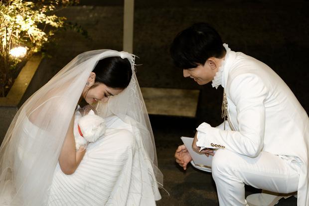 Chị gái Nam Em và bạn trai model bị nghi chia tay dù đã đính hôn-5