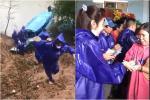 Thủy Tiên - Công Vinh gây tranh cãi khi cứu trợ cụ ông 200 triệu-10