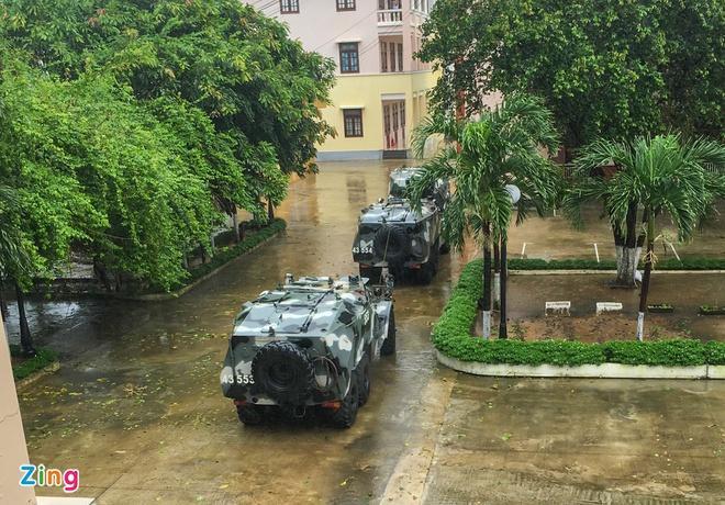 Clip: Bão số 9 vào Đà Nẵng, Quảng Ngãi mưa như trút nước, gió gầm rú kinh hoàng-2