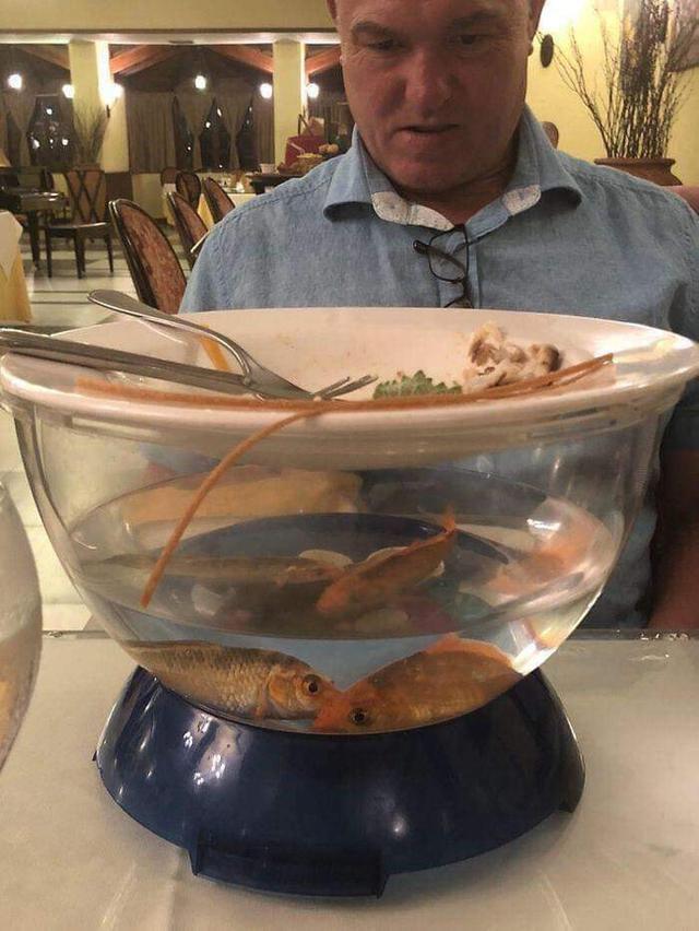 Hết hồn với cách trang trí của các nhà hàng làm thực khách chạy mất dép-10